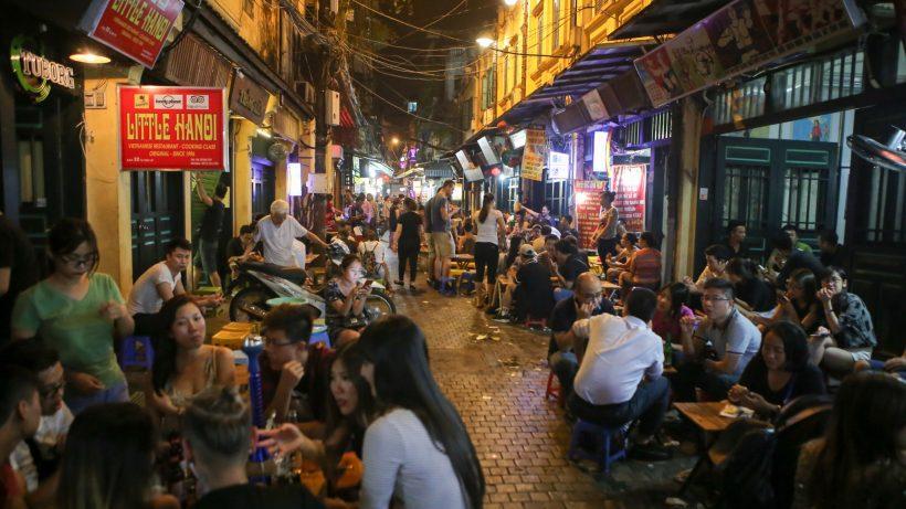 hanoi night market 5